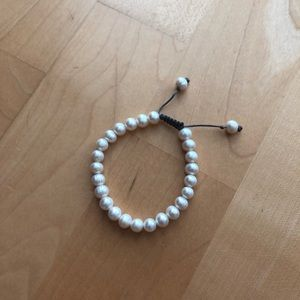Jewelry - Like new pearl bracelet